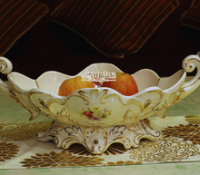 European classical Gold code ceramic fruit plate high-grade porcelain Ivory fruit candy dish villa luxury decoration plate(China)