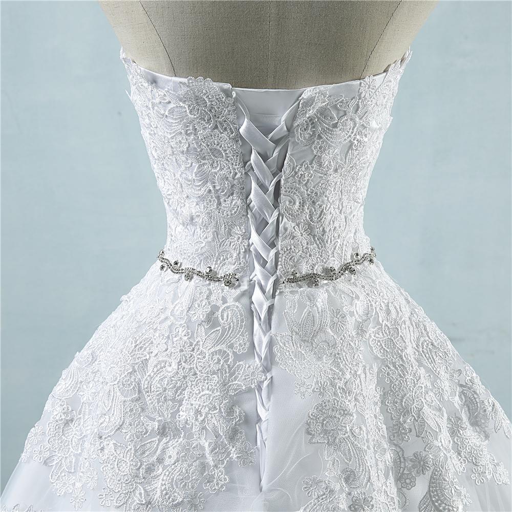 Kuninglikult uhke pulmakleit