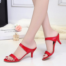 Hot sale Summer woman sandals Big Size 35-42 leather slippers good quality Diamond thick high-heeled female shoes656