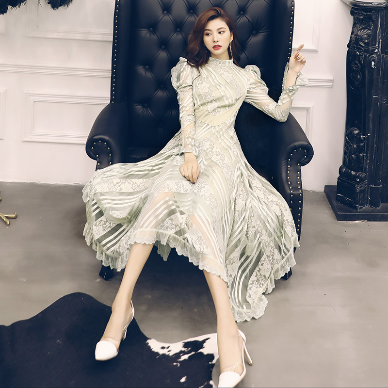 New  dress female 2018 autumn   European women cultivate morality show thin heavy industry   long irregular