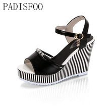 LTARTA  Summer Korean muffin fish head women sandals with platform sandals wild simple shoes shook with students .HYKL-922