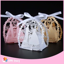 50pcs Bride and groom Laser Cut Wedding Favor Box Candy Box Gift Box Wedding Favors Wedding Decoration Party Supplies(China)