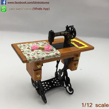 1:12 Vintage Miniature Furniture Sewing Machine Dolls Accessories Dollhouse Furniture Sylvanian Families Toy