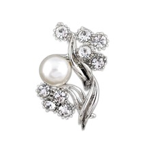 Korean Version Elegant Exquisite Pearl Imitation Brooch Women Stylish Alloy Brooch Drop Shipping