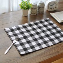Vintage Classic Black and White Plaid Cotton Placemat Cloth Napkins Dust-Proof Cover Insulation Pad 30*40cm(China)