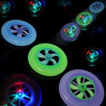 Colorful Spin LED Light Outdoor Toy Flying Saucer Disc Frisbee UFO Toy Educational UFO Children Beach toys Random Color