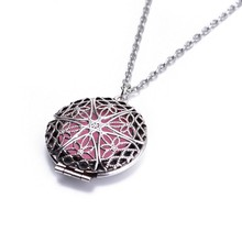 (Necklace+5Pad)/set Newest Antique Aromatherapy Locket Pendants &Necklaces Perfume Essential Oil Diffuser Locket Women Necklaces
