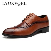 Size 47 48 Fashion PU Leather Men Dress Shoes Pointed Toe Bullock Oxfords Shoes For Men, Lace Up Designer Luxury Men Shoes M067(China)