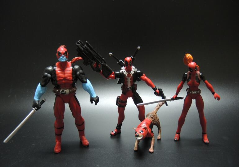 6-14cm Marvel Univers Super Heros Deadpool Action Figure Collection toys for christmas gift Weapons Free shipping<br><br>Aliexpress