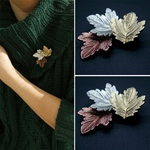 Women Fashion Jewelry Vintage Brooch Maple Leaf Brooches Christmas Gift