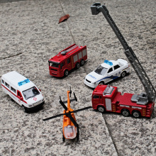 1:60 Alloy car model Rescue series 5pcs police car Helicopter Rescue train ambulance Children like the gift worth collecting