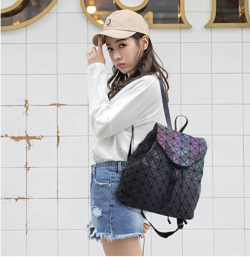 Nevenka Luminous Backpack Women Leather Geometric Backpacks Diamond Lattice Backpack Travel Girls Casual Daypacks Fashion 201805