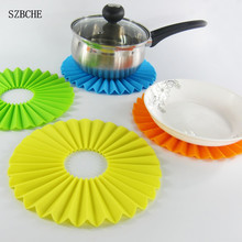 1PCS Creative Designing Silicone Placemat Fold Dinner Mat Round Table Coaster Heat insulation Cushion
