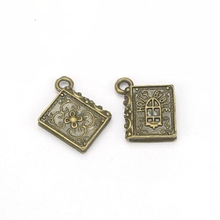 Vintage Charms Pendants Metal Alloys 10pcs Ancient Bronze Holy Bible Book Charm Pendant Decor DIY Jewelry Findings 13X15mm S8698