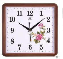 The sitting room wall clock, european-style creative square mute wall clock, household electronic quartz clock.