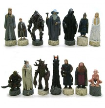 Lot of 14 LOTR The Lord of the Rings The Hobbit Chessmen Chess Statue Figure