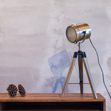 A1 North American pastoral village high-end European fashion table lamp metal raw wood mistress foot landing searchlight lamp