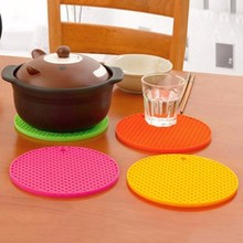 1pc Round Shape Placemat Silicone Pot Mat Coaster Cup Cushion Pad Holder Home Kitchen Table Decoration Mat 7 Colors Supply(China)