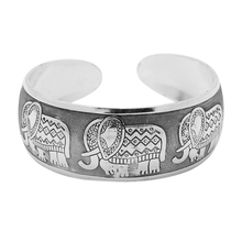 High Quality Vintage Elephant Tibetan Tibet Silver Plated Bracelets Charming Elegant Round Metal Cuff Bangles Women Jewelry