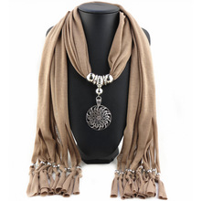 2016 New Fashion Winter Warm Scarf Women Charms Scarf Alloy Pendant Jewelry Scarves Necklace Scarf