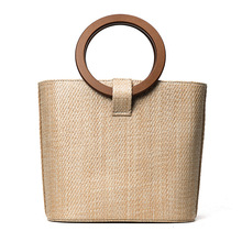 2017 New Famous Designer Beach Bag Straw Totes Bag Bucket Autumn Winter Bags with Wooden Handle Women Handbag Braided Rattan Bag