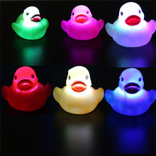 6Pcs /lot Rubber Duck Bath Flashing Light Toy Auto Color Changing Baby Bathroom Toys Multi Color LED Lamp Bath Toys CX880075