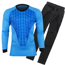 2017 Mens Soccer Goalkeeper Jersey Sponge Protector Set Camisetas De Futbol Jersey Outdoor Goal Keeper Uniforms Long Sleeve Suit