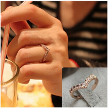 R296 2017 New Fashion V-shaped unique design inlaid  imitation crystal pinkie ring  Jewelry Wholesale