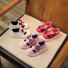 2017 autumn new fashion white leather flooring white shoes for girls bow big eyes leisure sports students kids moccasin shoes(China)