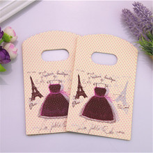 Hot Sale New Style High Quality Wholesale 50pcs/lot 9*15cm Luxury Jewelry Packaging Pouches With Eiffel Tower Mini Gift Bags