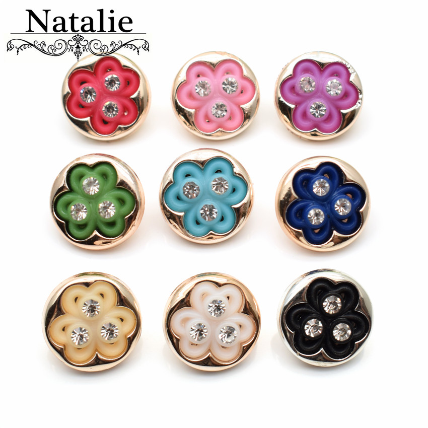 50pcs 13mm rhinestone Carved flowers buttons acrylic crystal buttons shank embellishment mix colors Decoration Shiny Buckle(China)