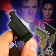 FREE SHIPPPING BY DHL 200pcs/lot 2015 New 3D Plastic LED 007 Gun Shaped Keychains with Sound Novelty Gift Keyrings for Kids(China)