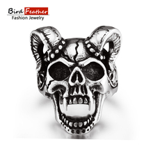 2017 New arrival Claw skull head wedding Ring for Men Woman silver-Color Stainless Steel Cool Male Design Punk Jewelry RJM041(China)