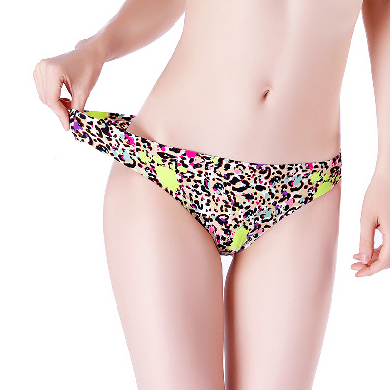 Sexy G String Briefs Seamless Ice Silk Panties Women Thongs Low Waist Lingerie Ladies Leopard Print Female Underwear #C