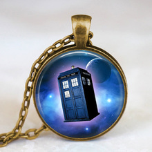 Antique Cooper Vintage Necklace Doctor Who Moon Space Pendant Necklace Doctor Who Police Box Tardis Jewelry, Whovian Gift Idea(China)