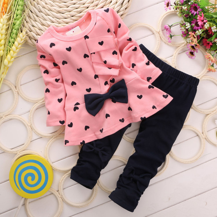 2015 new Baby Girl Clothing Set Heart-shaped Print Bow Cute 2PCS Cloth Set Children Cloth Suit Top T shirt + Pants High quality<br><br>Aliexpress