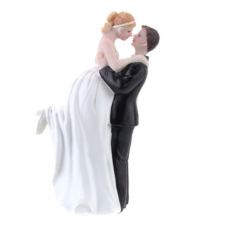 Wedding Favor Groom Bride Sweet Hug Romantic Love Couple Figurine European Style Wedding Party Decoration Cake Accessory(China)