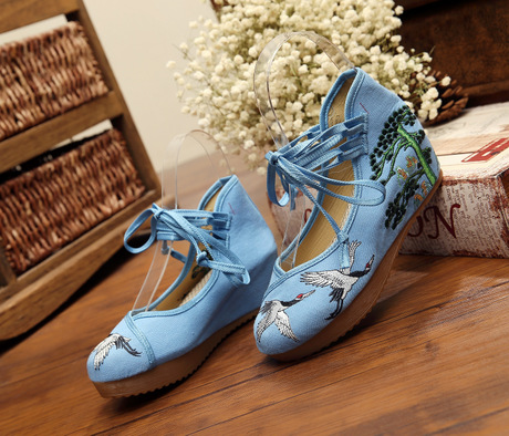 2017 models of old Beijing within Phoenix thick bottom shoes embroidered shoes slope with singles shoes<br><br>Aliexpress