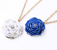 Fashionable Graceful Necklace Long Handcraft Flower Maxi Pendants Perfume 2017 Brand Gold For Women Designed For Best Friends