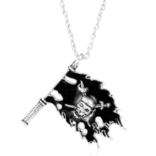 Hot Movie Pirates of the Caribbean Jewelry Black Enamel Cross Swords Skull Pattern Flag Pendant Necklace Colar Collier Men Gift