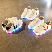 2017 Spring/Summer Victory symbol cool LED kids shoes Lighting casual fashion girls boys shoes all season baby kids sneakers(China)