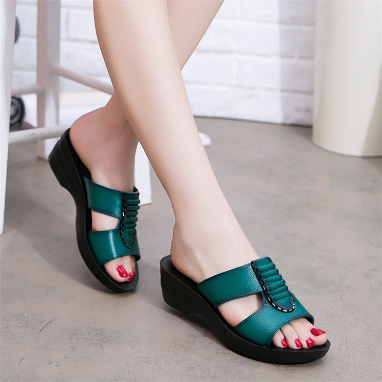 Summer-new-mother-slippers-fashion-ladies-slippers-soft-and-comfortable-casual-large-size-shoes-Woman-Slope