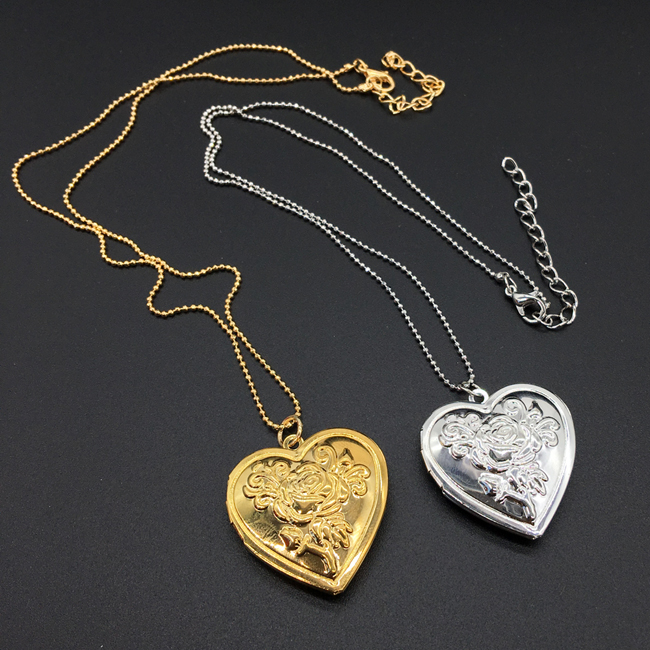 photo necklace 1.jpg