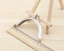 Free shipping 25pcs 8.5cm Simple style Metal coin purse bag sewing handbag frame kiss clasp handle DIY Accessories