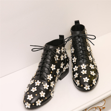 2017 Women Lace Up Flower BootsFamous designer Boots Black Genuine Leather Flower Shoes New Fashion Ladies Short brand Boot