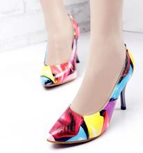 Spring and Autumn comfortable and elegant sexy simple shallow mouth pointed high - heeled shoes with small T - shaped shoes