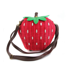 2017 Fruit Bags Fashion Strawberry Hand-made Women Shoulder Bags Beach Rattan Straw Girl Portable Handbag Vintage Casual Bag(China)