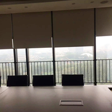 silent motorized roller shade with sunscreen fabric , window width  2meter remote control roller blind