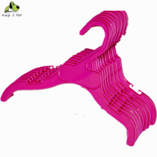 Red Dog Clothes Hanger Pet Clothes Hanger 2 Pcs/lot Wholesale High Quality Dog Acessories Free Shipping(China)