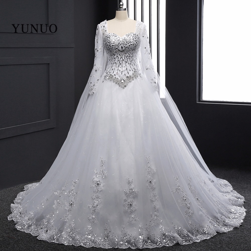 White Lace Bridal Gowns 2018 Lace Up Back ChapelTrain Long Sleeves Weddding Dresses Crystal Vestidos de